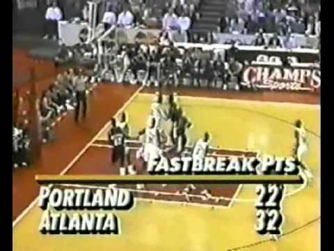 Kevin Willis (32pts/25rebs) vs. Blazers (1993)