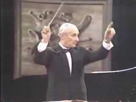 "Glenn Gould - Beethoven's ""Emperor"" Concerto 1/4"