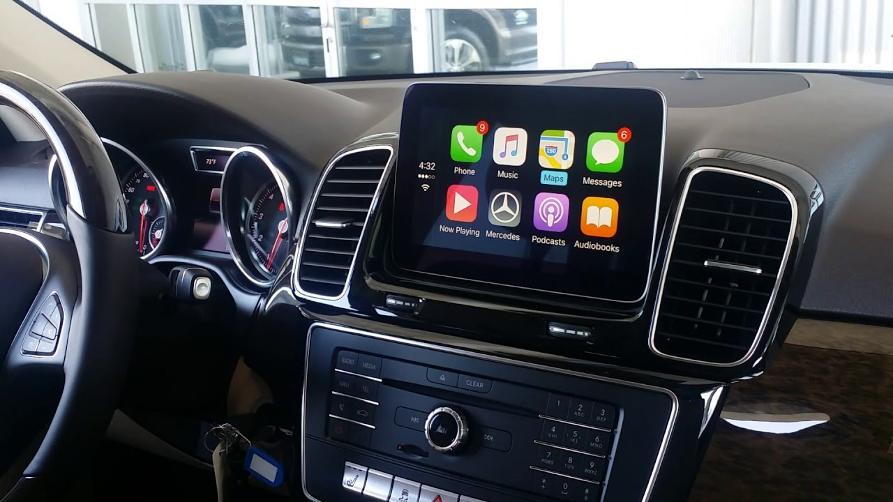 How Apple CarPlay Works in a Mercedes-Benz GLE350! - YouTube