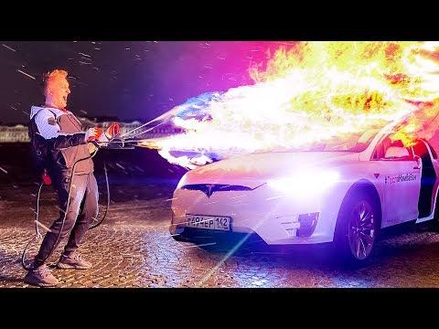 Моя Tesla Model X ПРОТИВ настоящего ОГНЕМЁТА! 24 часа с Варпачем! Как тебе такое Илон Маск?