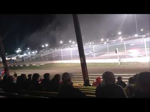 Plymouth Dirt Track Sprint Car Feature mp4 6 24 2017