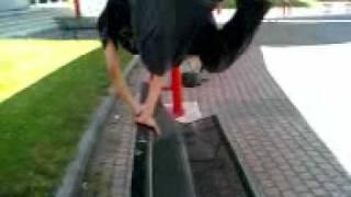 Comment s'asseoir sur un banc selon Jimmy