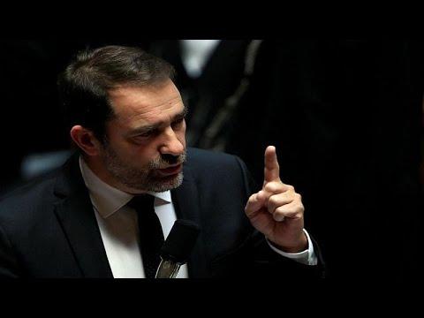 وزير الداخلية: فرنسا ترفع مستوى التهديد الأمني بعد مقتل 3 في  ستراسبورغ…  - نشر قبل 4 ساعة