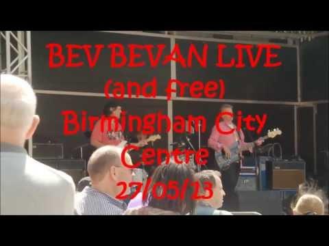 Bev Bevan Live and free in Birmingham City.