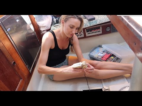 Cheap Wind Generator & Simple Float Switch Install (S9E18 Sailing Miss Lone Star)