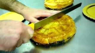 Torta Rustica Pasta Sfoglia Ripiena Di Prosciutto Formaggio Uova : Video Ricetta
