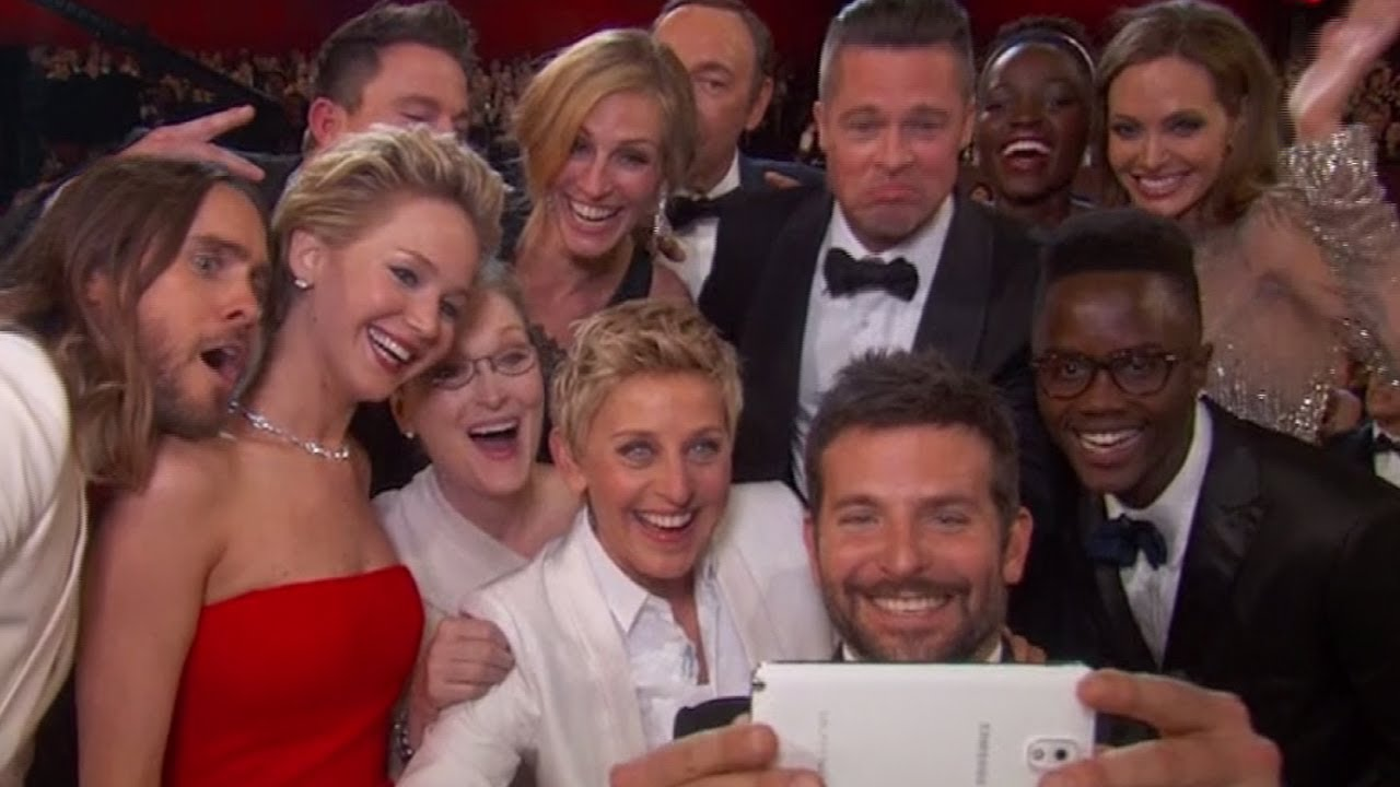 Celebrity photobombs oscars