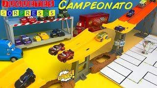 Carros de Carrera para niños - Pista de Coches CARS 3 CAMPEONATO CIRCUITO CARRERA DE MEGASALTO