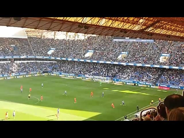 Los Riazor Blues abandonan el estadio
