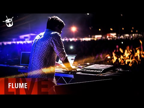 Flume feat. T.Shirt 'On Top' live at triple j's One Night Stand in Dubbo 2013