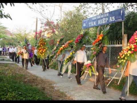 Đám Tang Bà Trùm Uông
