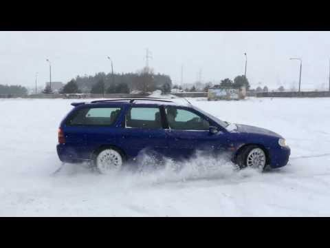 FORD MONDEO 2,5 V6 (ST200) ON SNOW
