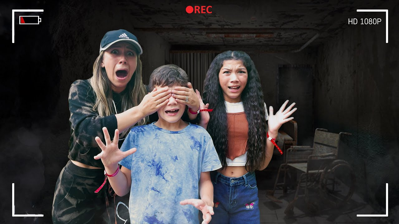 Surviving Our First Halloween HORROR Nights!!! (Scare ZONE) **SCARY**