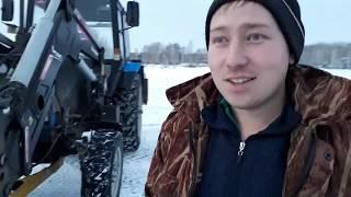 Чистка снега на четырёх тракторах. Дрифт авто и тракторов.