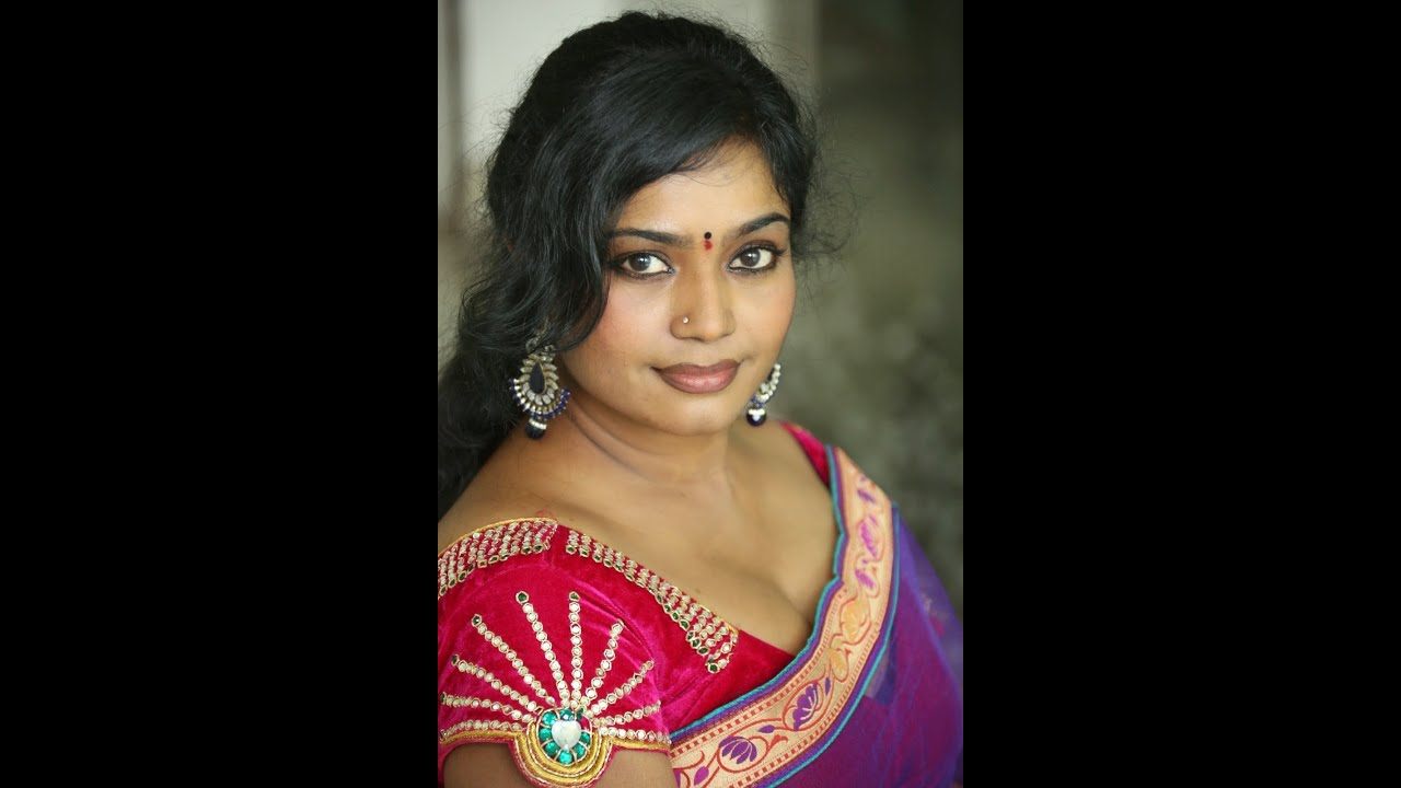 South indian sexy aunty pics