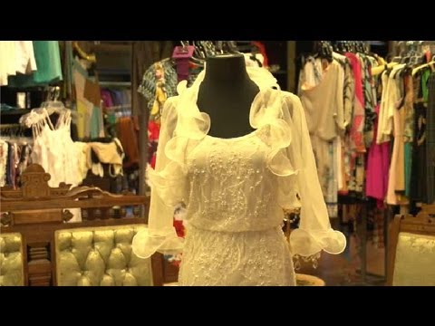 ac24331002d88 How to Cover a Sleeveless Wedding Dress   Fashion Tips   Trends ...