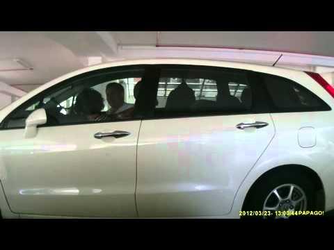 kissing in car part 1.M4V