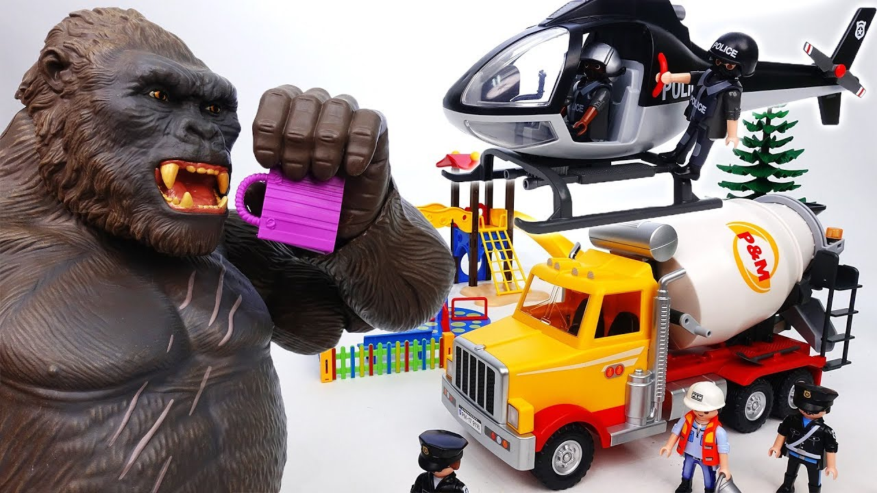 King Kong Loves Chocolate~! Playmobil Copter On The Way - ToyMart TV