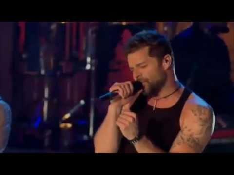 Ricky Martin Ft. Wisin & Yandel - Frio (Video) (Live)
