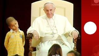 Show gestohlen: Kleiner Junge bei Papst-Audienz