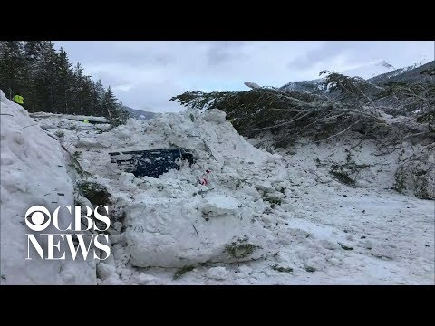 Colorado avalanche buries 3 cars and shuts down major stretch of highway