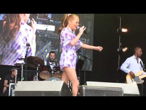 Sonia - You'll Never Stop Me Loving You (Let's Rock London 2015)