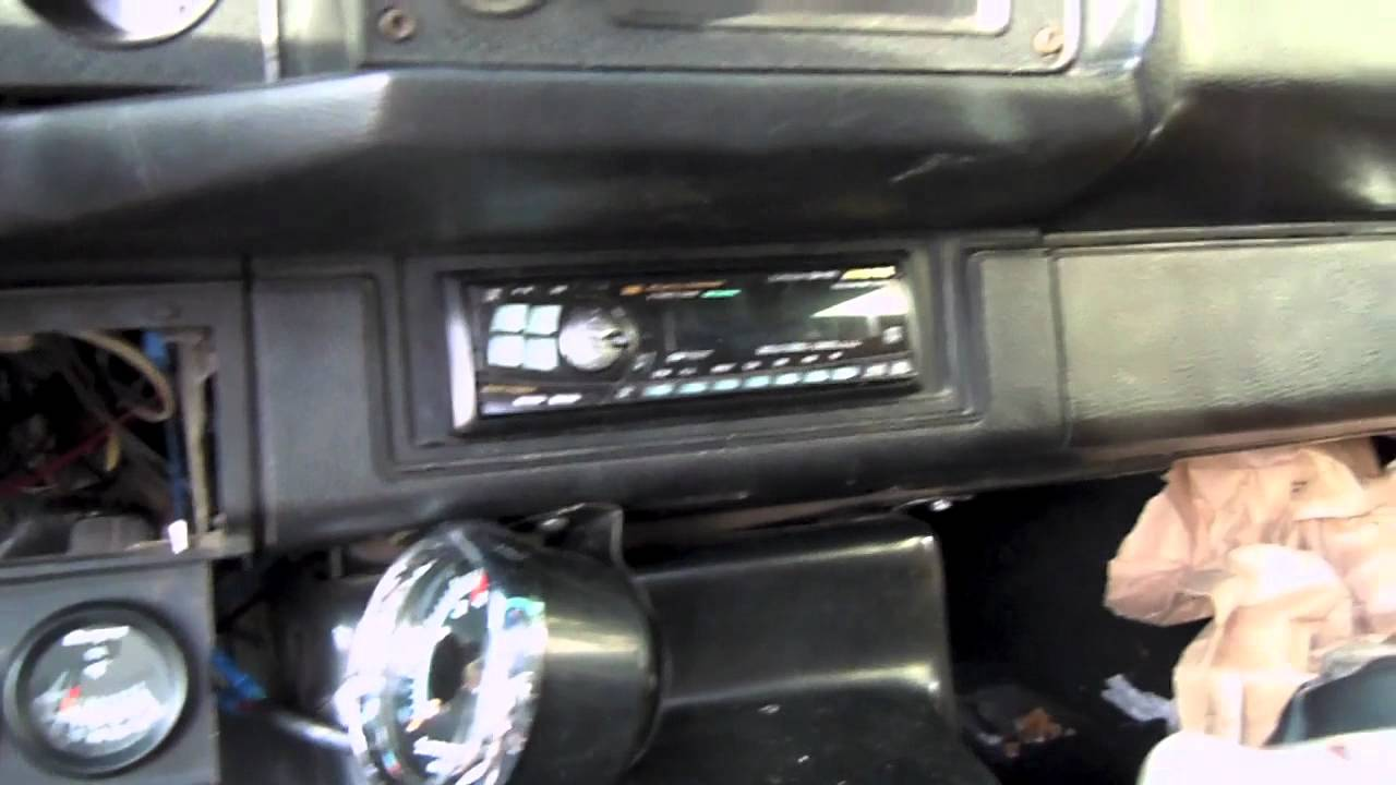 Fixing The Camaros Radio Youtube Wiring Diagram 1981 Chevy Camaro Berlinetta