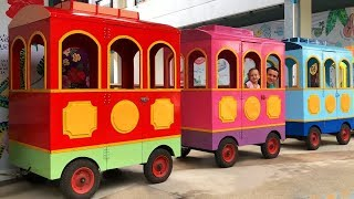Playing with color train - The Wheels On the Bus Song for Kids by Alinka and Color Train Cabs