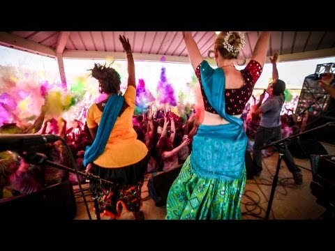 KIRTANIYAS - Nitai Gauranga feat. MC Yogi - Festival of Colors (OFFICIAL)