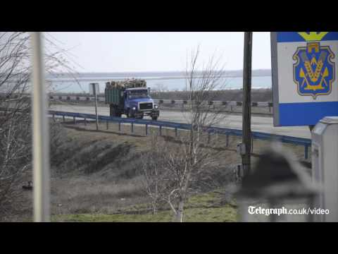 Ukraine crisis: Crimea's new Russian-made border