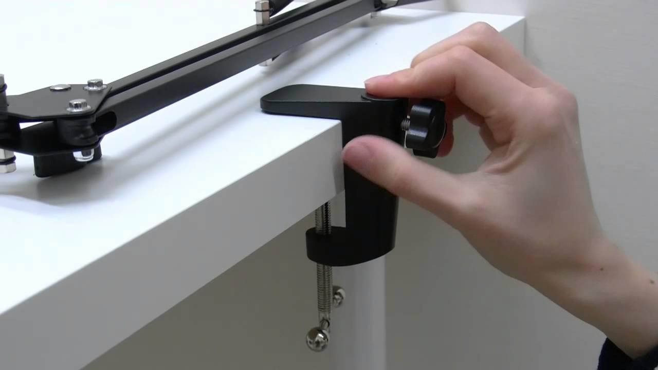 Supporto telescopico in metallo universale per tablet e smartphone su tavolo letto scrivania - Supporto tablet letto ...