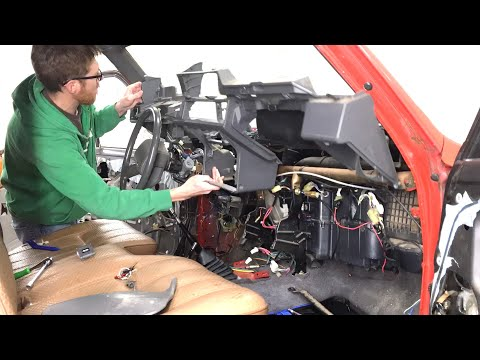Gutting The Interior: 1987 Toyota Pickup 4wd