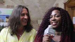 Povia ospite musicale con Rosana Copacabana di Ciao Darwin al Premio Solidarietà
