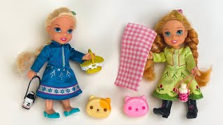 Elsa and Anna toddlers picnic …