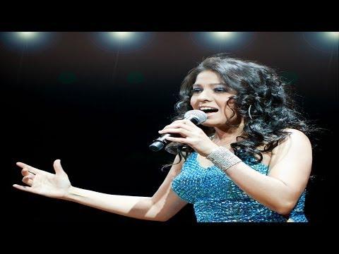 Sunidhi Chauhan Sings Gun Gun Guna At Channel V Indiafest in Goa