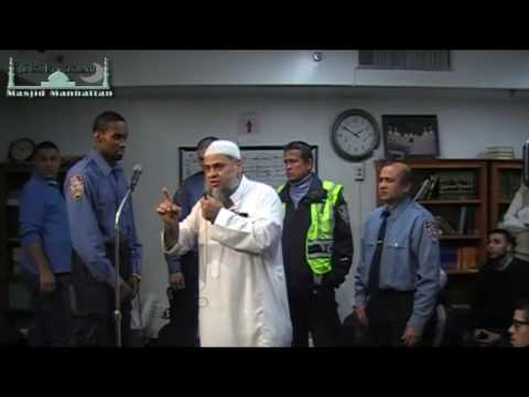 NYC Police Officer becomes Muslim at Masjid Manhattan! Takbeer!