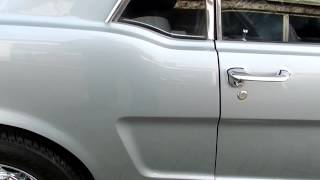 "1964 1/2 Ford Mustang Coupé 289 ""D-Code"" Silver Smoke Gray"