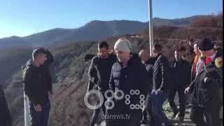 Ora News- Mirditë, protesta për vendosjen e flamurit turk në HEC-in e Qafë Mollës