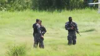 Repeat youtube video Largo y fuerte enfrentamiento entre pandillas y policías en Ayutuxtepeque@MarcelaMayenTCS