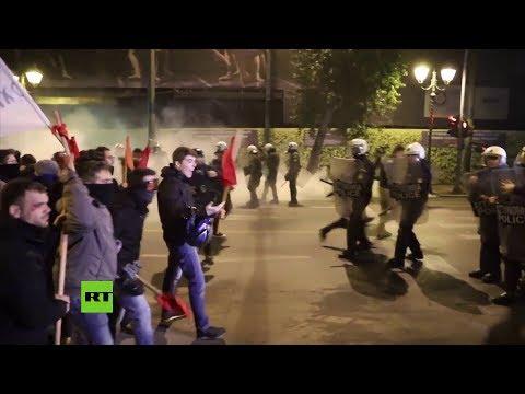 Grecia: Violentos enfrentamientos durante la visita de Merkel a Atenas