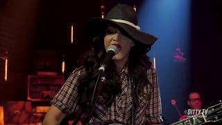 """Lindi Ortega performs """"Heaven Has No Vacancy"""" on DittyTV"""