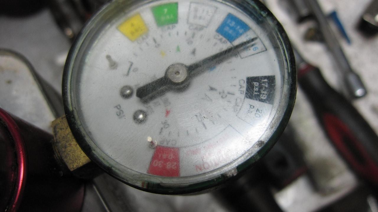 How do I pressure test my OMC 400 800 sterndrive