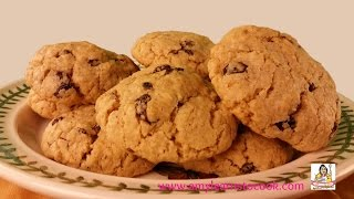 How To Make Big Chewy Oatmeal Raisin Cookies