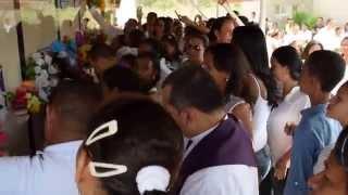 Momento de la bendición en el cementerio #LasAlmasJamásOlvidas