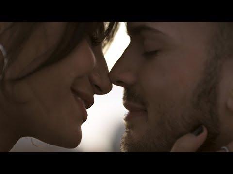 Смотреть клип David Carreira - Do Jeito Dela