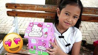 Buka Kotak Surprise 💖 Jessica Jenica dapat Hadiah dari Mama 💖 Mainan Anak Let's Play