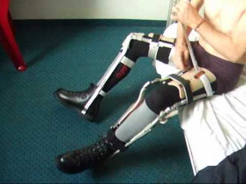 how to clean leg brace