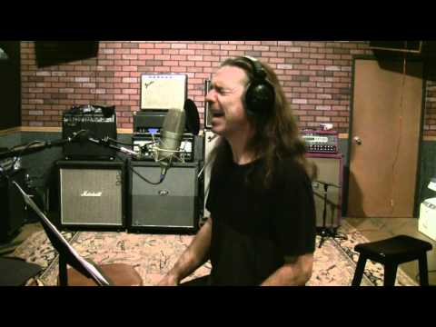 HOW TO SING LIKE DAVE GROHL - CHRIS CORNELL - MYLES KENNEDY - M SHADOWS - Ken Tamplin Original Song