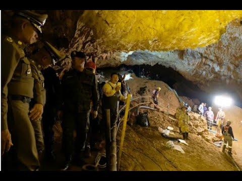 Meninos presos em caverna na Tailândia começam aulas de mergulho | SBT Brasil (04/07/18)