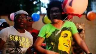 Kola Loka - El Cumpleaños (Oficial Video)